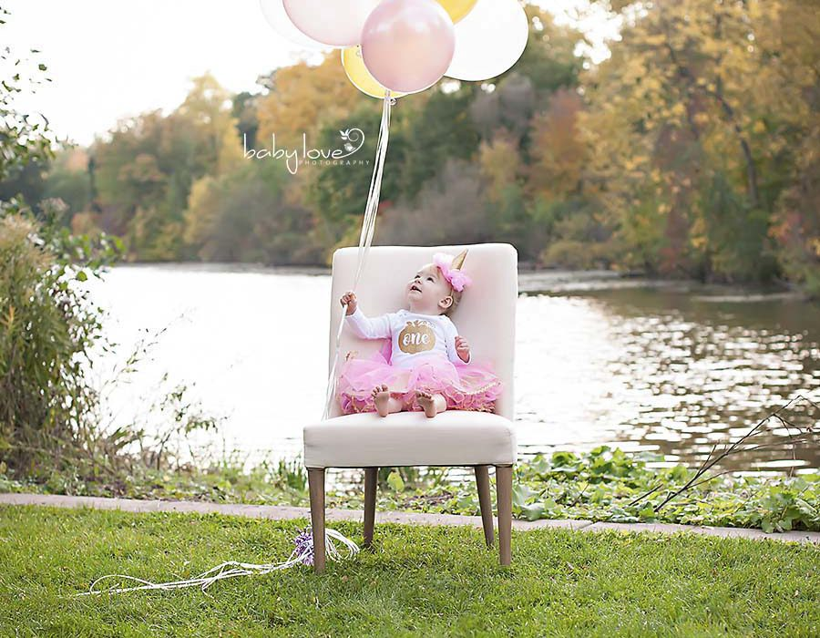 Birmingham Photographer captures one year old baby girl outdoors Michigan