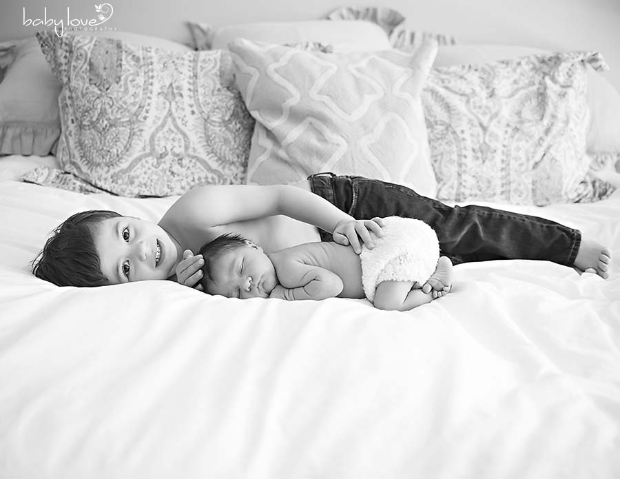 Rochester Hills Michigan Newborn Photographer